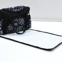 Wickeltasche-Kinderwagentasche-Schwarz-Blumen-6-mit-Wickelunterlage-0-1